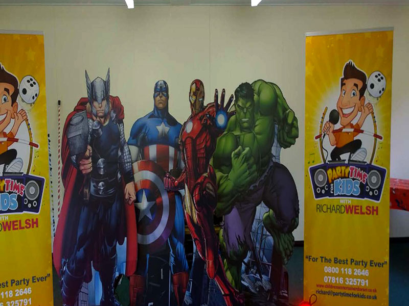 Childrens themed parties - Marvel Superhero party entertainers